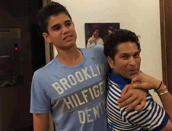 http://bit.ly/2d38CkV   							 Is Sachin Tendulkar with Arjun Tendulkar or Justin Bieber in this photo? Netizens are confused   							 The image, shared on the Facebook page Circle of Cricket India quickly went viral on social media.