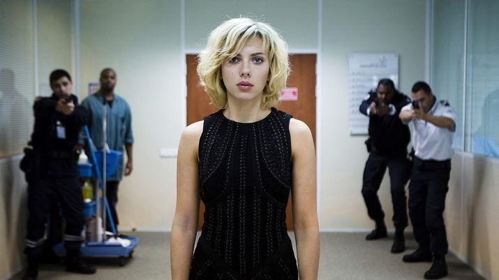 """""""Lucy"""" Réalisateur : Luc Besson Avec : Scarlett Johansson, Morgan Freeman"""