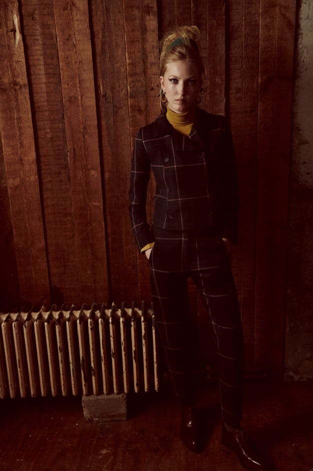 Ella Rose Richards, étoile montante de la mode anglaise, affiche un pedigree rockmode inégalé et signe une première collaboration cette saison avec Paul & Joe Sister. Rencontre à Londres avec...