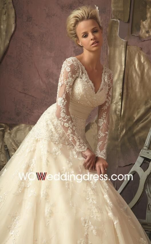 Beautiful Long Sleeve Lace Ball Gown Wedding Dress