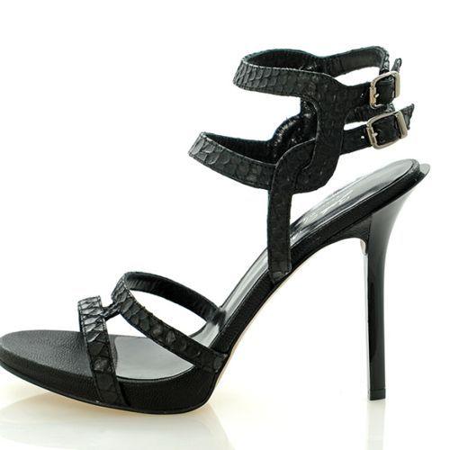 Sandalias de Fiesta en Color Negro - Para ver modelos de moda ingresa a: http://zapatosdefiestaonline.com/2015/08/18/sandalias-de-fiesta-en-color-negro/