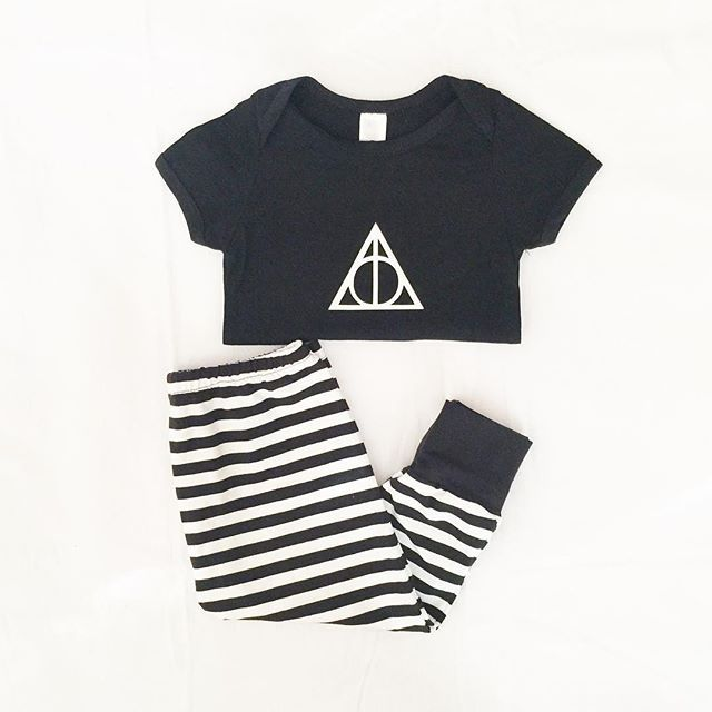 Baby's outfit today. I love these pants from @madfaireeclothing they go perfectly with the deathly hallows onesie I made for baby #supportlocalbusiness #smallbusinessperth #madfaireeclothing #mintprint #shopsmallau #perthisok #flaylay #ootd #monochrome #monochromebaby