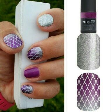 ~Damsel in distress~ nail wrap paired with Jamberry TruShine polish.   Used as a full mani or an accent nail, this sparkle wrap is sure to make a statement! ~~~~~~~~~~~~~~~~~~~    https://knightsofthejamjamtable.jamberry.com/au/en/shop/products/damsel-in-distress