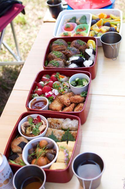 運動会のお弁当 三段お重+1 : peddyのくまちゃん カメラを持って。