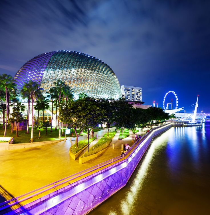 Strolling along the Esplanade in #Singapore in the evening is a magical and colourful experience! #colour #lights