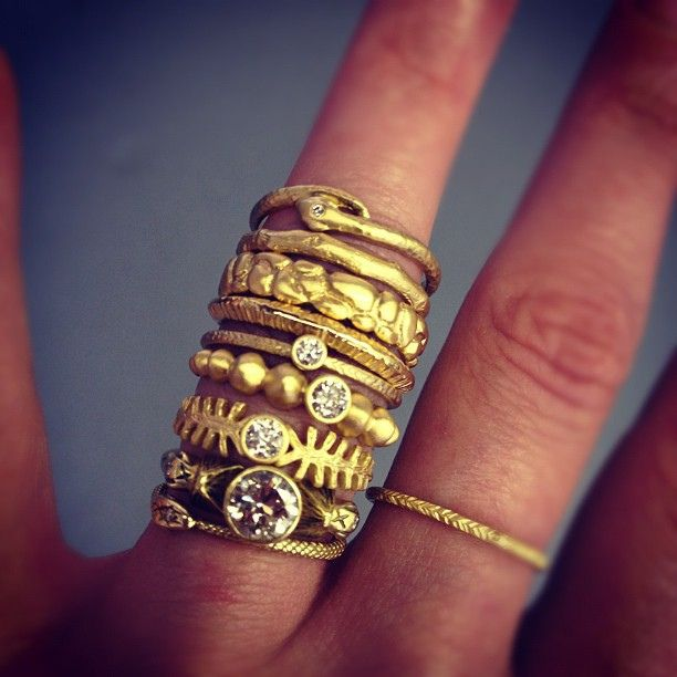 sarah swellStackable Rings, Fashion Style, Stacked Rings, Thin Rings, Diamonds Rings, Gold Rings, Antiques Rings, Bling Bling, Stay Golden