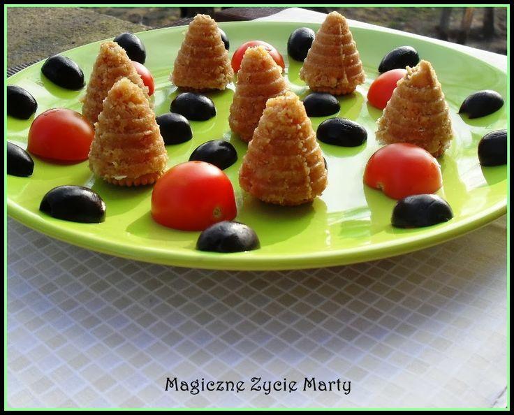 Pani Marta z bloga Magiczne życie Marty testowała foremki w kształcie uli. Zobaczcie sami jak można zrobić przepyszne wytrawne ciasteczka. Foremki można kupić w MyKitchen.pl: http://mykitchen.pl/Foremka-pszczeli-Ul-Delicia-Tescoma.html #wypieki #kuchnia #gotowanie #pieczenie #homedecor