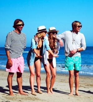 hiiiiPalms Beach, Preppy Style, Preppy Beach Style, Palm Beach, Black Bikini, Preppy Summer, Beach Preppy, Denim Top, Beach Styles