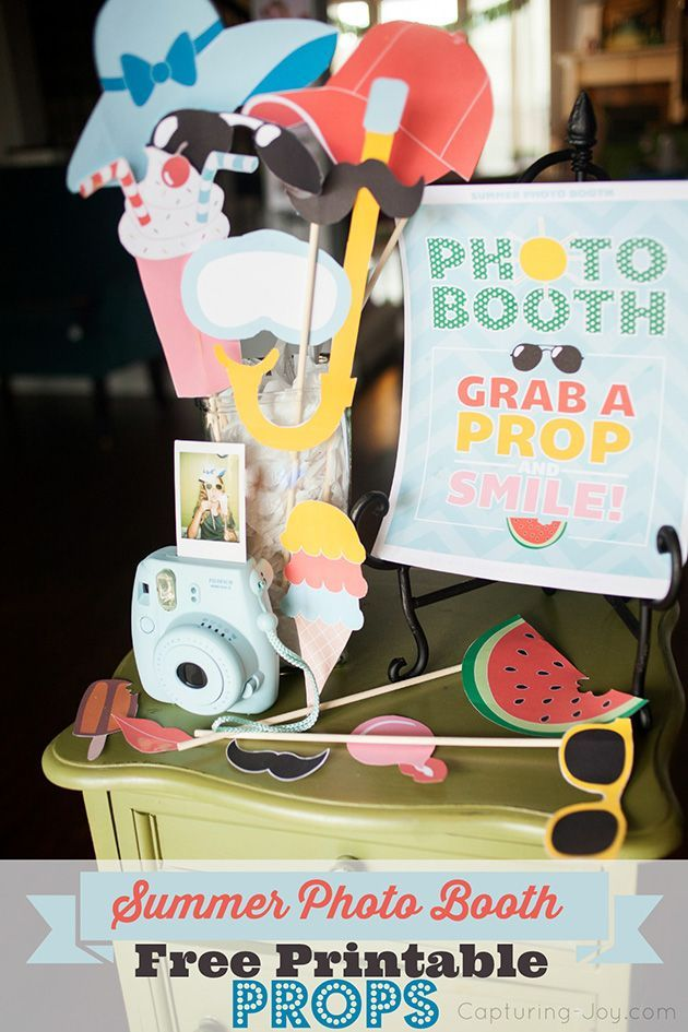 Summer Photo Booth - free printable photography props perfect for a kids summer party! http://KristenDuke.com