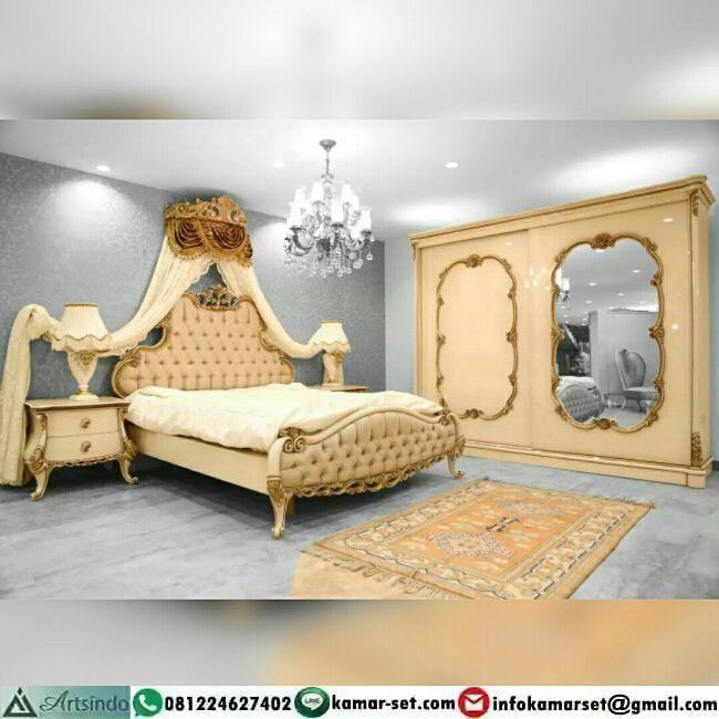 """Desain kamar tidur pengantin mewah klasik ukiran - ranjang ukuran kasur 200 x 200 cm - 2 nakas -…"""""""