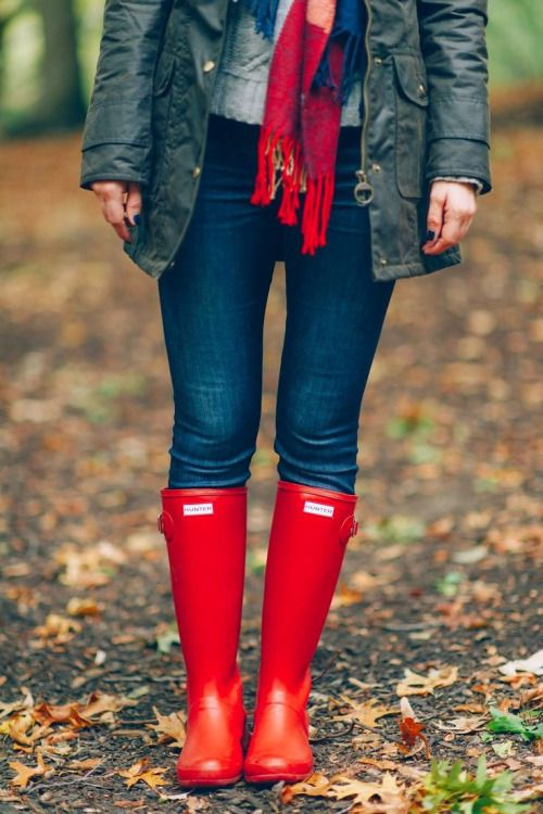 everyone needs a pair of hunter rain boots for fall!