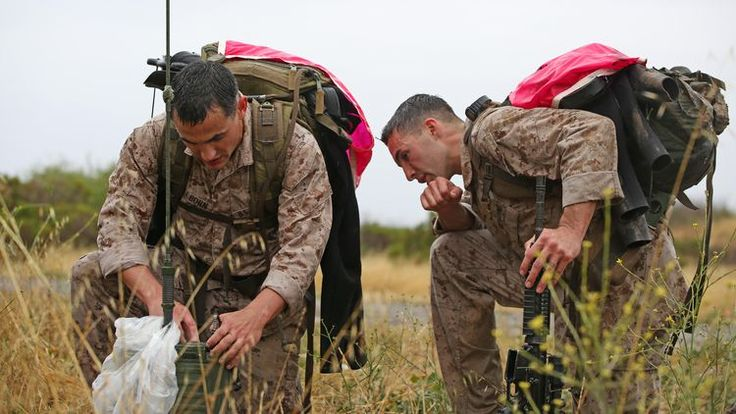 What Does a Marine Corps Field Radio Operator (0621) Do?