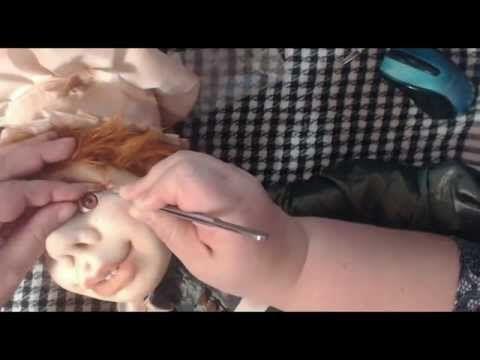 Видео посвященное куклам в чулочной технике, а именно - пчелке) Вы научитесь делать веселую, яркую игрушку из капрона, своими руками.