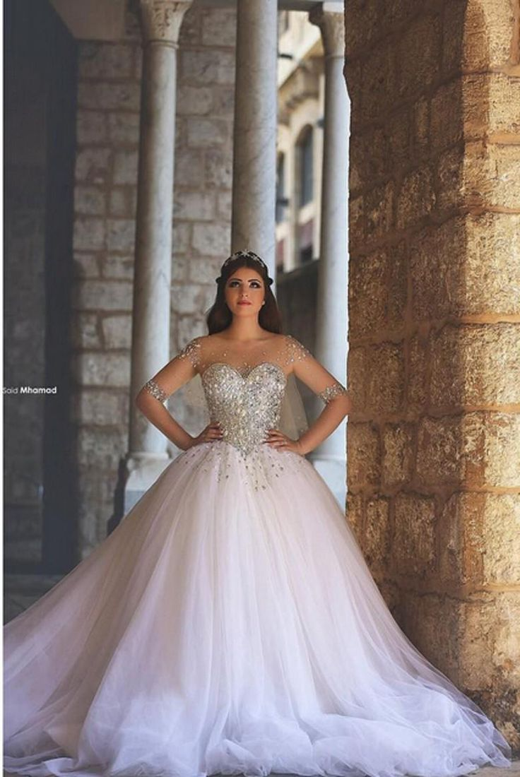 2015 Vintage Ball Gown Bohemian Wedding Dresses Scoop Neck Half Sleeve Crystals Arabic Brides Gowns Beads Vestidos De Noiva Said Mhamad