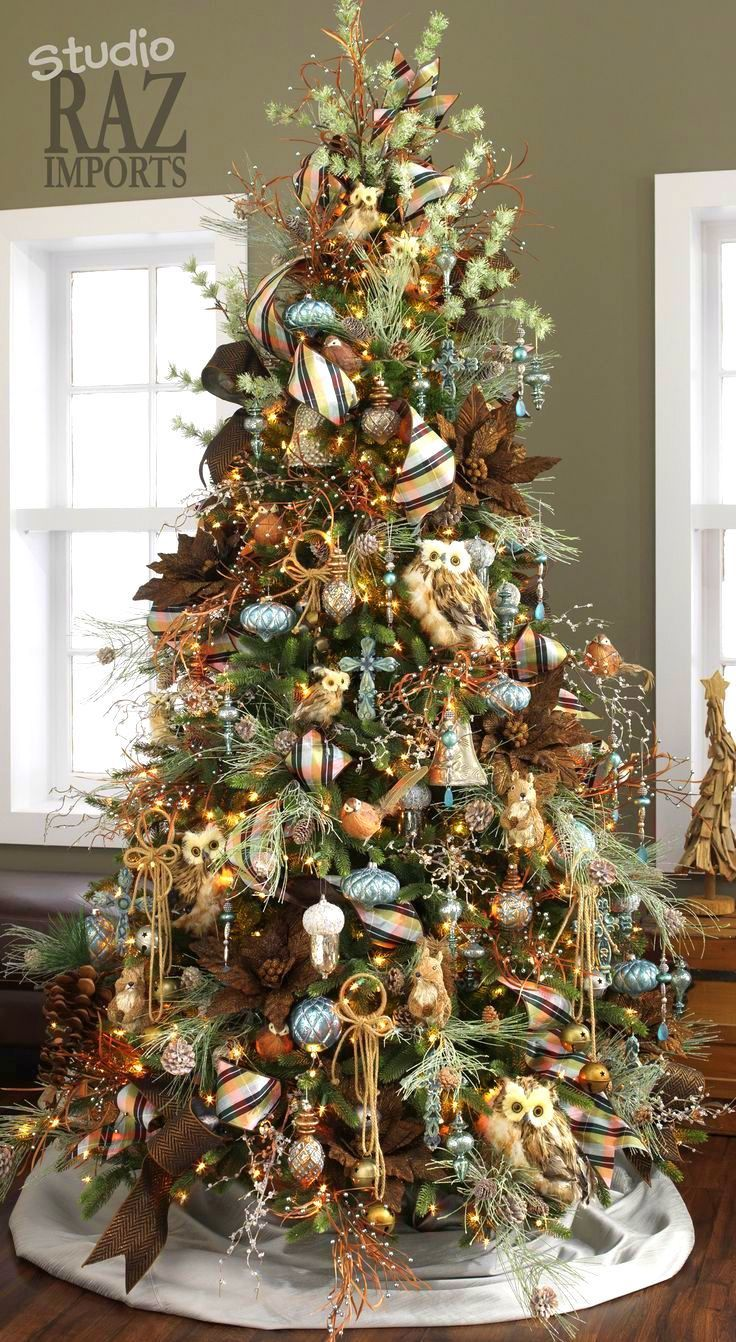 Love the combination of greens, blues, & browns on this tree!