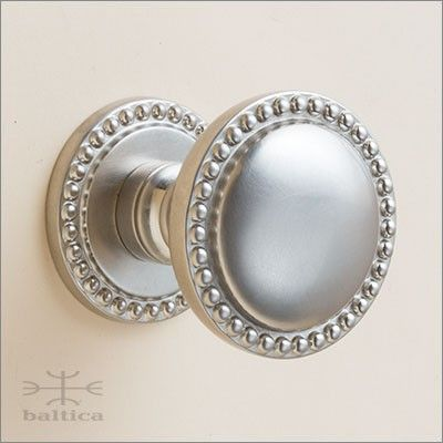 Cranwell round door knob & rose 44mm - satin nickel - bespoke door handles handcrafted by the master artisans of Baltica. The Cranwell series includes coordinating door hardware including thumblatches, entry door trims, door knockers, bell buttons, door levers, escutcheons, cabinet knobs, cabinet pulls, window hardware, multi-point trim, recessed pulls, flush pulls, cremone bolts, surface bolts and door stops. www.balticacustomhardware.com / www.baltica.com