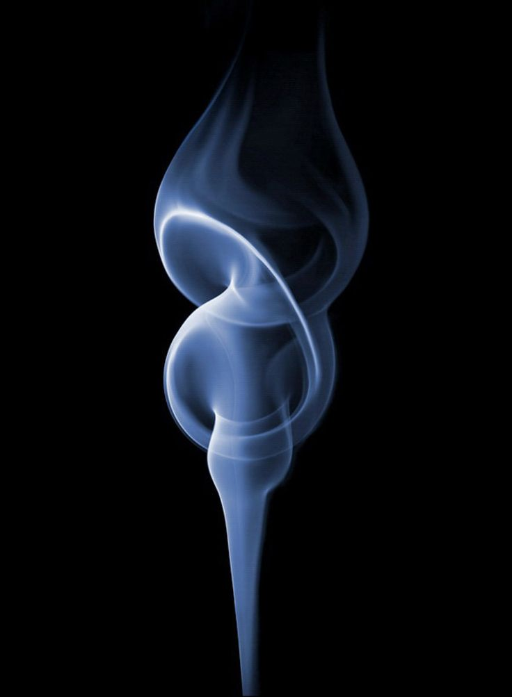 Photographer Took 100,000 Shots And Spent 3 Months Trying To Capture The Perfect Smoke Shape