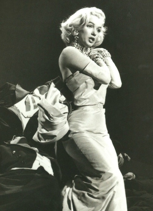 "Marilyn Monroe performing ""Diamonds Are A Girls Best Friend"" in 'Gentlemen Prefer Blondes' 1953:"