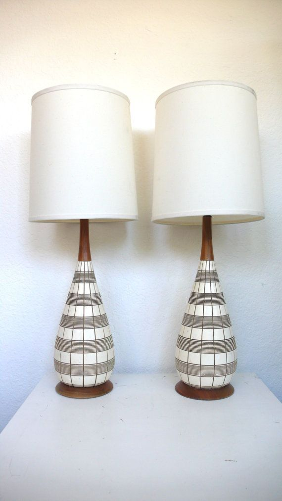 love these mid-century modern lamps