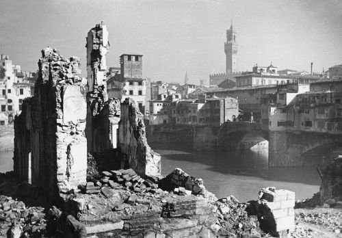 // Arte e Arti - articolo - Firenze1944-45 Danni di Guerra //
