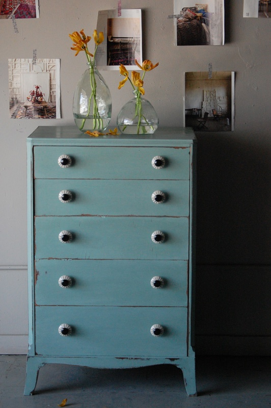 I Want A Piece Of Refinished Old Furniture Painted A Lovely Blue. Iu0027m