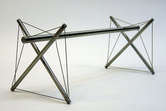 Double Cross Bar by Kenneth Snelson | Tensegrity sculpture