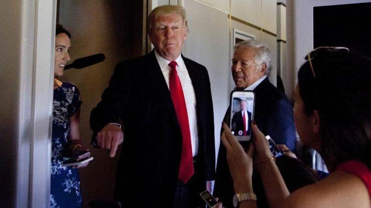 Robert Kraft flew on Air Force One with Donald Trump http://ift.tt/2qiMFbr #donald_trump #new_england_patriotspic.http://twitter.com/vl2upxrJDu
