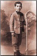 García Lorca en su infancia en la cual creció en un ambiente protegido por sus padres.