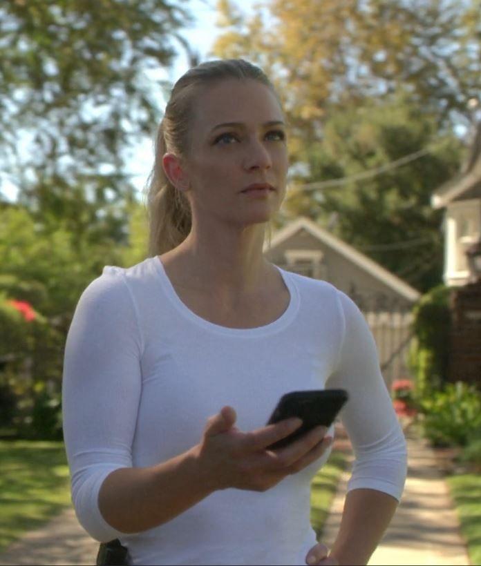 "AJ Cook screencaps- Criminal Minds S13E10 ""Submerged"" | Criminal minds, Aj cook, Jennifer jareau"