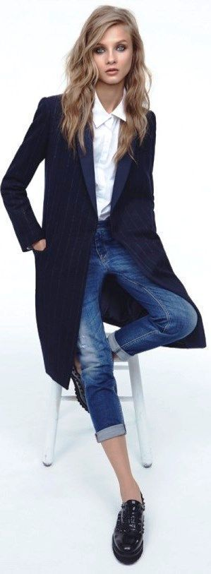 3/4 length coat, crisp white shirt and vintaged jeans. Nice Mango Fall-Winter 2013/14 #fashionmodels,