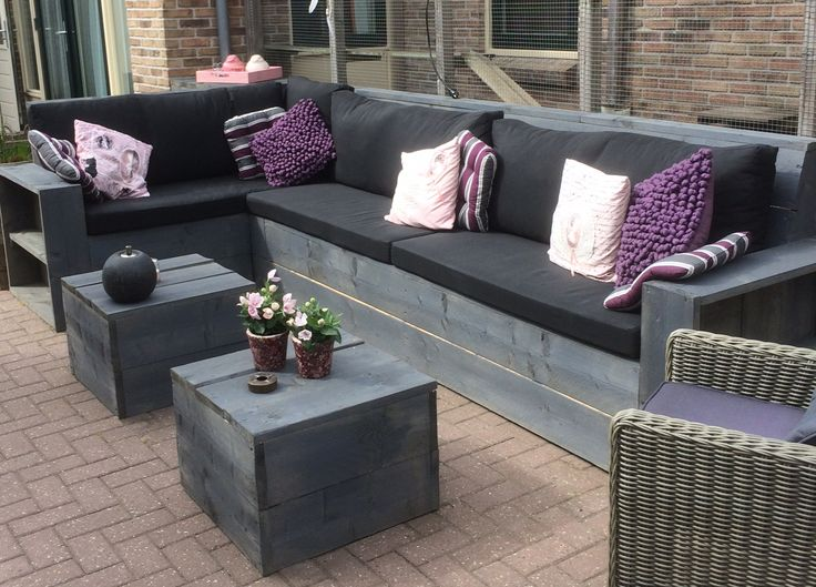 Kussens op maat voor eigen gemaakte tuinmeubelen. Maatwerk loungekussens bestel je eenvoudig, snel en voor een scherpe prijs op www.4seizoenentuinmeubelen.nl