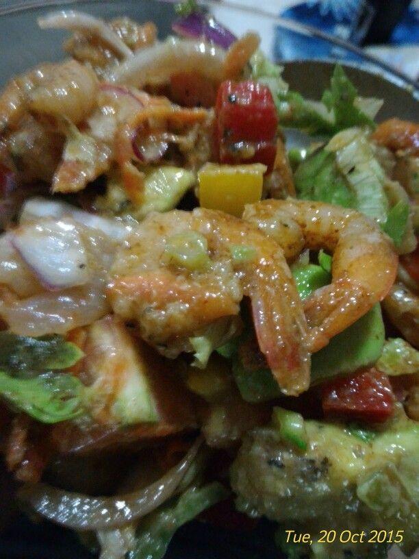 Shrimp and avocado mango salad