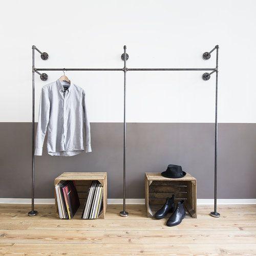Offener-Kleiderschrank-Industriedesign-Rohr