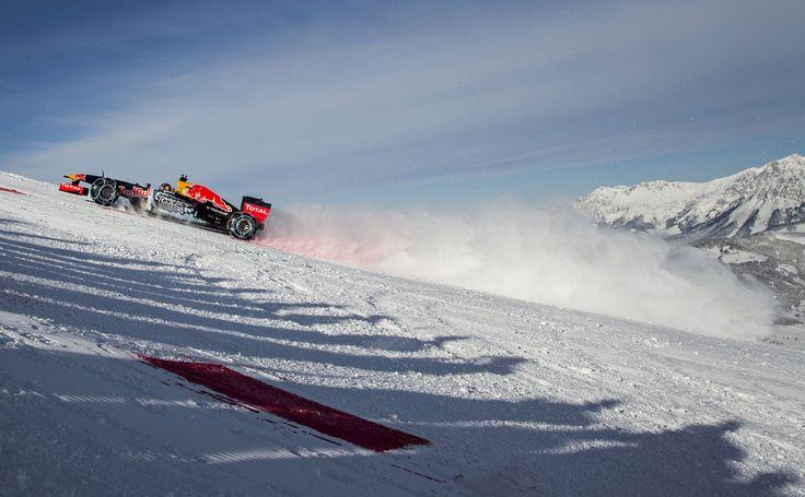 GALERIE: Tomu neuvěříte: Formule 1 se nebojí sněhu, řádí na sjezdovce v Alpách (videa) | FOTO 30 | auto.cz