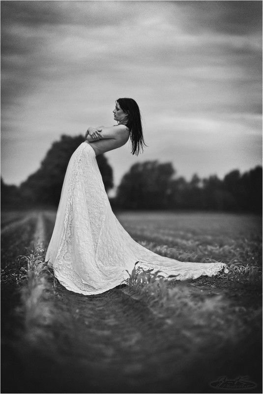 Editors' Selection 2017-12-09 » * vous interdire de vous * « Ⓒ Photographer J-K-PhotoArt ★1  http://strkng.com/s/er8  Nude / Europe / Germany / Wesel http://strkng.com/en/photographer/J-K-PhotoArt/    #strkng #Nude #Europe #Germany #J_K_PhotoArt #Wesel #bestof #international #contemporary #photography #Nude #Akt #Outdoor #Bnw #Portrait #Woman