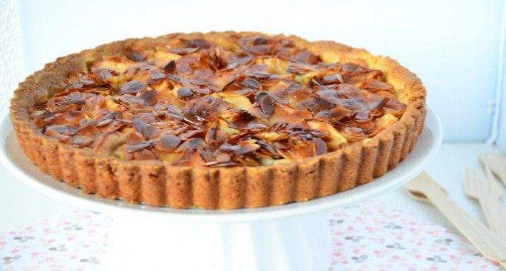aar een doodgewone appeltaart werd het niet, ik maakte de appel amandel taart uit het Appeltaartboek van Janneke Philippi.