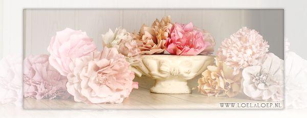 Prachtige bloemen van koffiefilters, door LoeLaLoep. Helemaal niet moeilijk en 1 bloem is binnen een kwartier gemaakt! #tutorial #uitleg