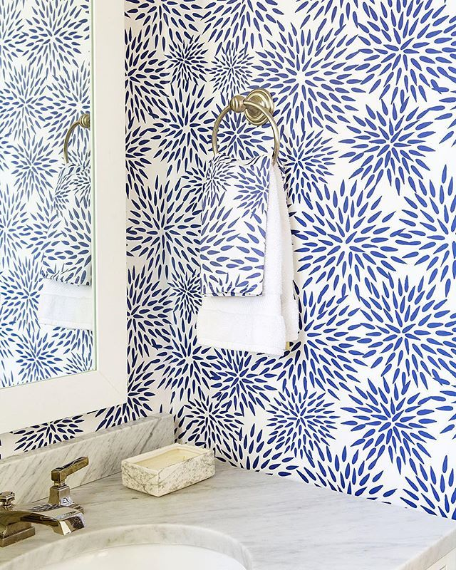 Contemporary Art Sites  Best images about Darling Decor on Pinterest Pop of color White walls and Chairs