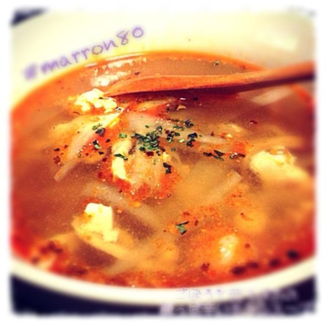 ミンチにした 鶏肉の皮を使ってスープに しましたー(=゚ω゚)ノ - 131件のもぐもぐ - 『ごぼうと茹で鶏の酸っぱ辛いチキンスープ』 by marron80
