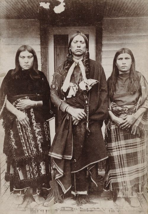 Chief Quanah Parker and two of his six wives, 1898