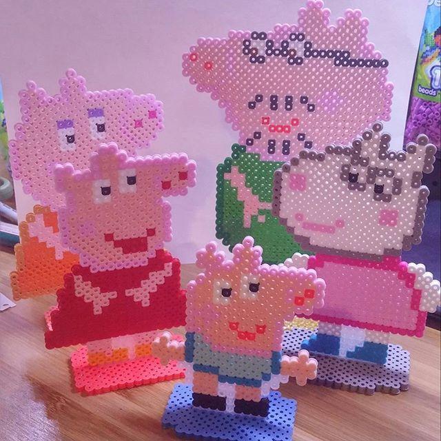 Peppa Pig perler beads by zombemunky