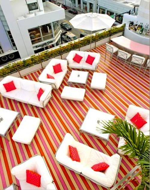 Striped Floor+ Roof Top +Bar
