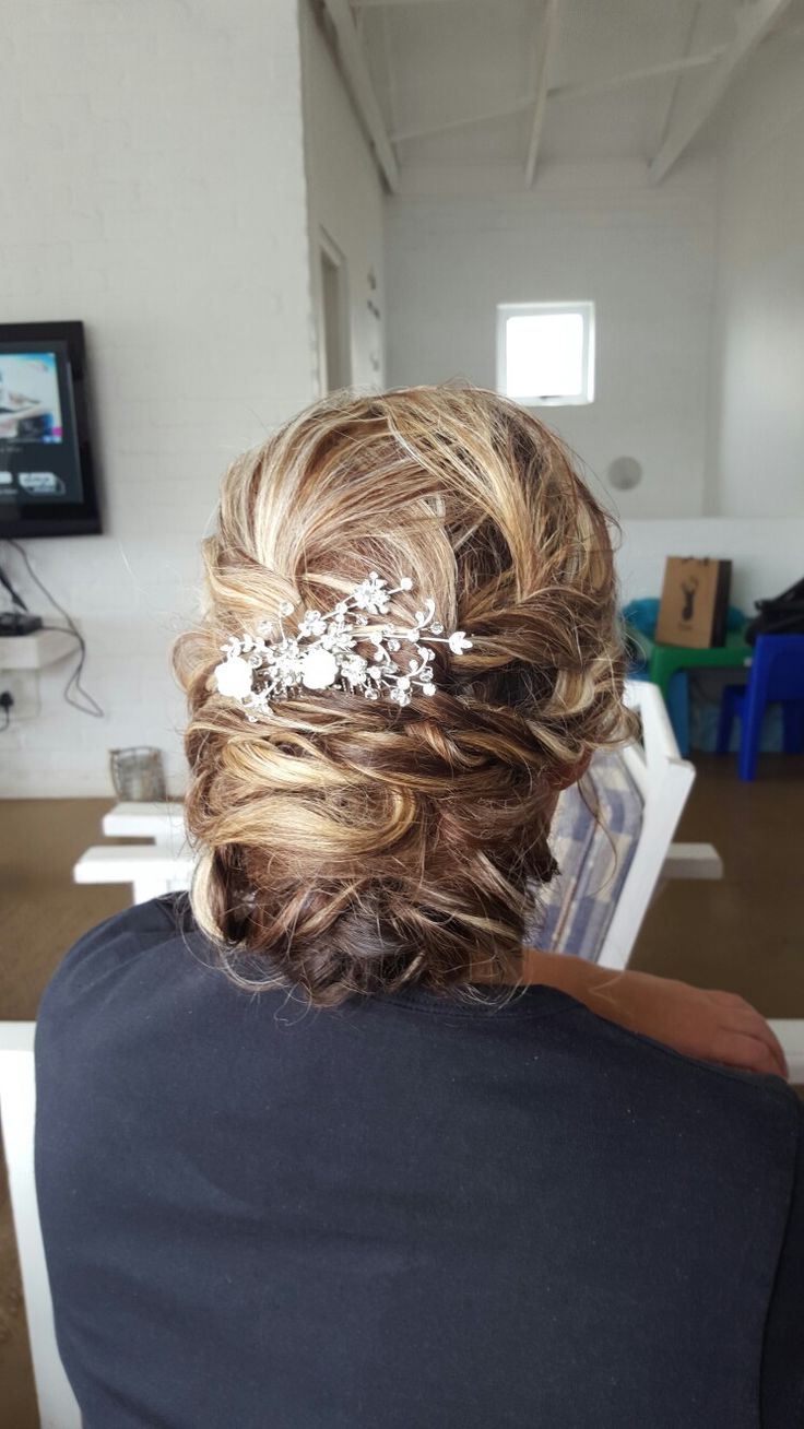 Bridal hair by Adri Hugo