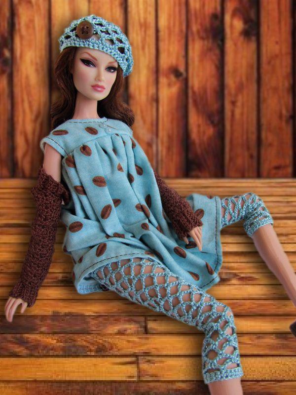<0>  Make leggings with vatigated wool