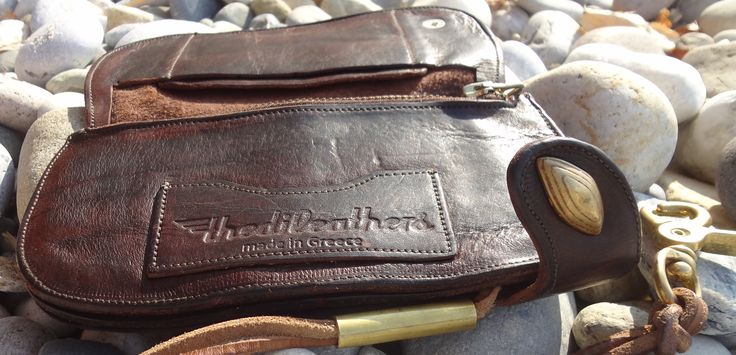 #thedileathers #leather #handmade #chainwallet #brown #gold  #TCW051 #thediwallet www.thedileathers.com