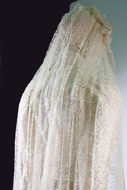 Knitting Veil Stitch : 17 Best images about Lace knitting on Pinterest Shawl, Ravelry and Lace