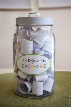 Πώς να βοηθήσουμε τα παιδιά να ανοιχτούν παίζοντας το «βάζο με τις ερωτήσεις» #παιχνίδι #ερωτήσεις #παιδί via @aspaonline