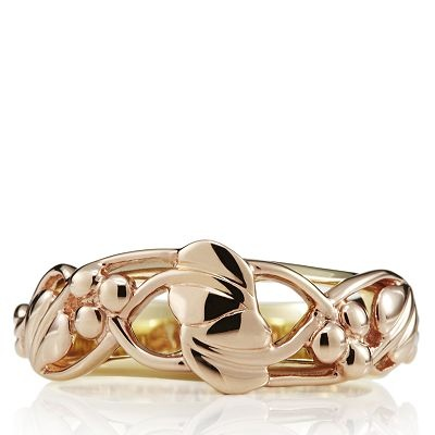 Clogau Gold Tree of Life Band Ring features a gorgeous nature-inspired Tree of Life design in rose gold with a yellow gold band. Crafted with Welsh gold from the mines favoured by Royal jewellers, this stunning ring will make a fabulous addition to your jewellery collection.
