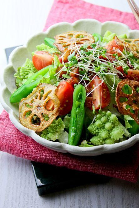いつもの野菜サラダが主役になる!手作り「ドレッシング」レシピ ... カリカリベーコン&カリカリ蓮根サラダ