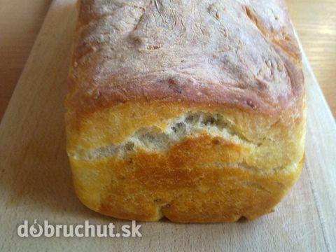Domáci zemiakovo - rascový chlieb